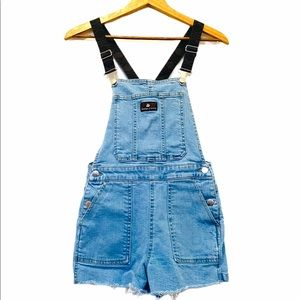 Kendall & Kylie overall shorts light wash denim